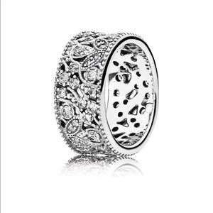 Pandora RETIRED Shimmering Leaves Ring sz5